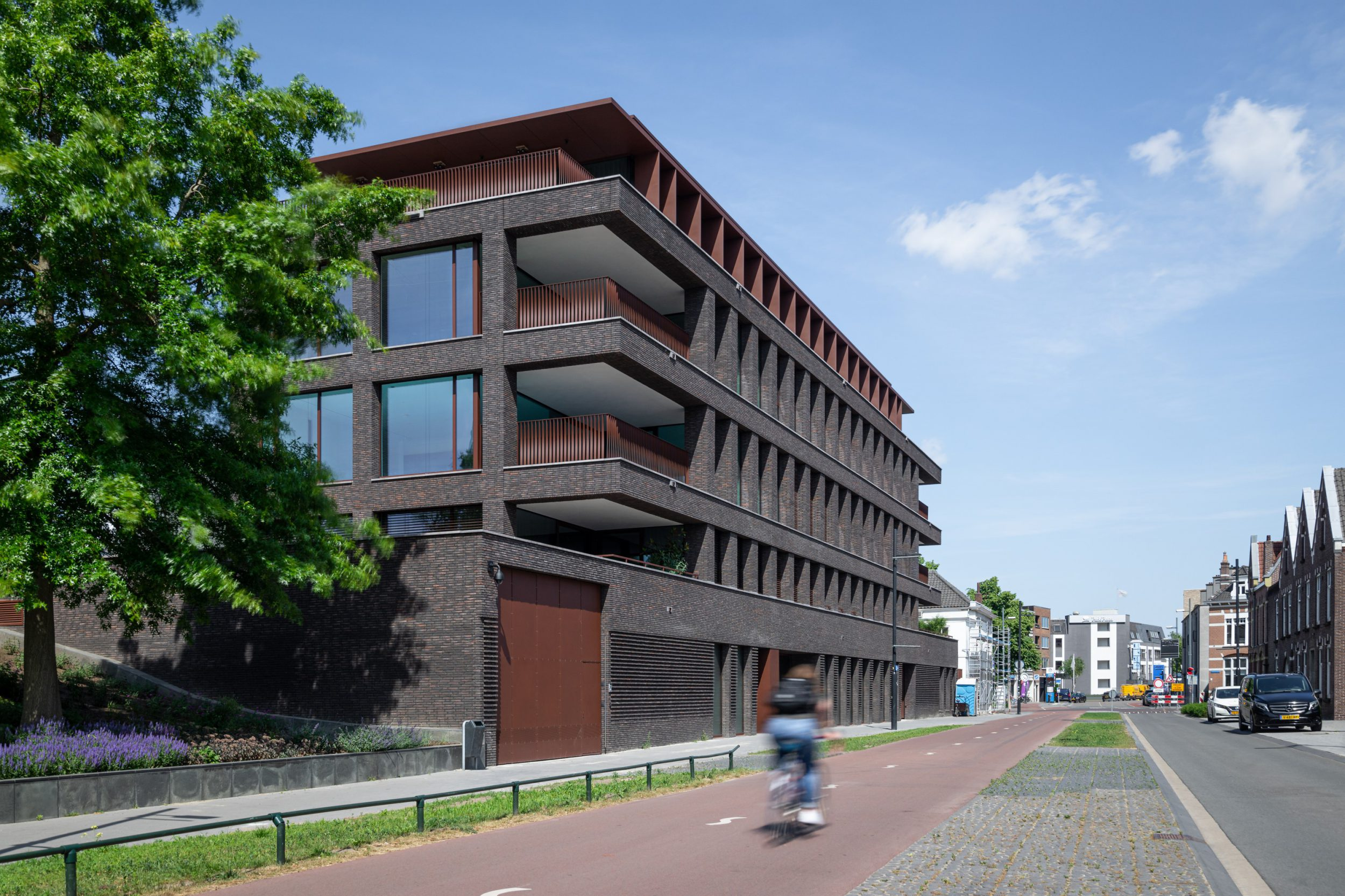 Bilderdijk Living - high end living - sideview